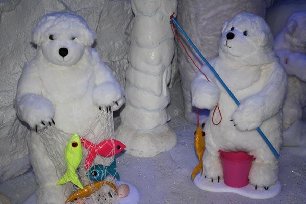 baytree winter wonderland christmas grotto leisure. Black Bedroom Furniture Sets. Home Design Ideas