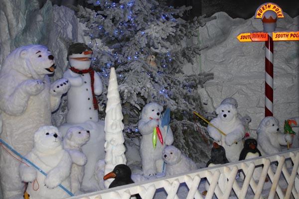 Baytree Winter Wonderland CHRISTMAS GROTTO - Leisure ...